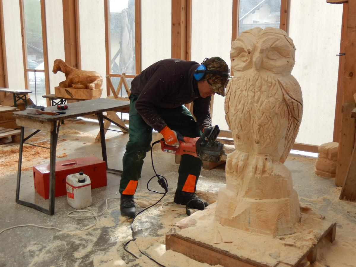 Basic course chainsaw carving woodcarving school geisler